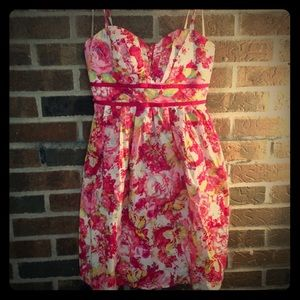 Pretty floral mini dress